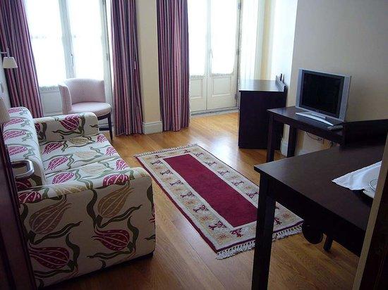 Hotel Bracara Augusta: Zimmer 2 der Suite