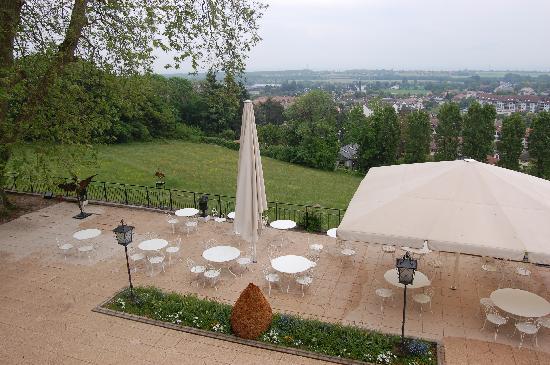 Château de Divonne : Beautiful terrace overlooking the alps