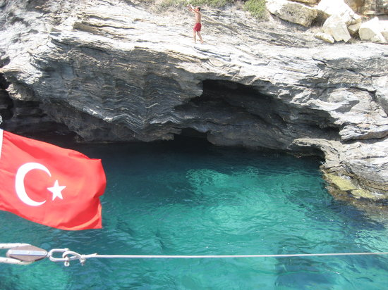 Kusadasi, Turquia: Dive if your dare:)
