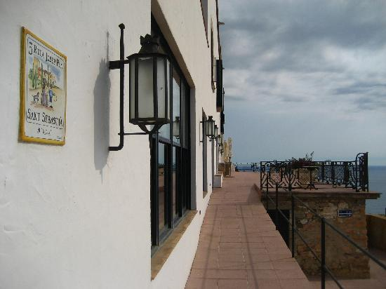 Hotel El Far de Sant Sebastia : Hotel El Far patio