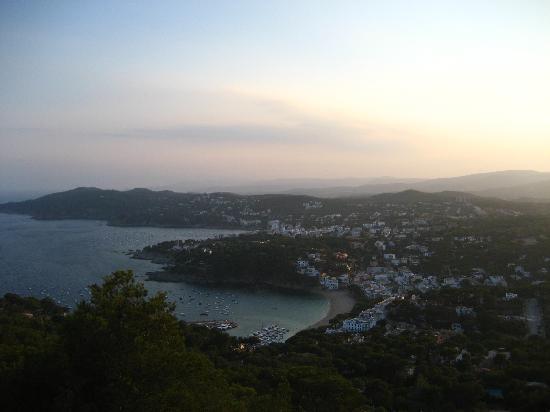 Hotel El Far de Sant Sebastia: Views of Llafranc from Hotel El Far