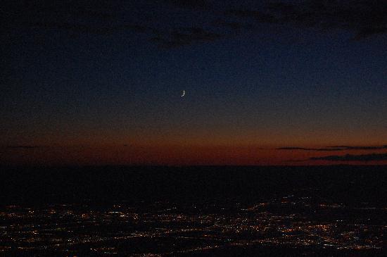Sandia Peak Tramway: Night View from top of Sandia Peak