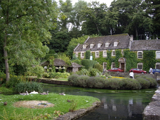 ‪Bibury Trout Farm‬