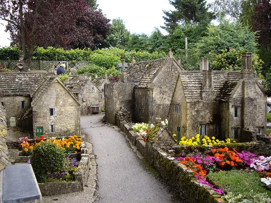 モデル・ヴィレッジ Picture Of The Model Village Bourton On The