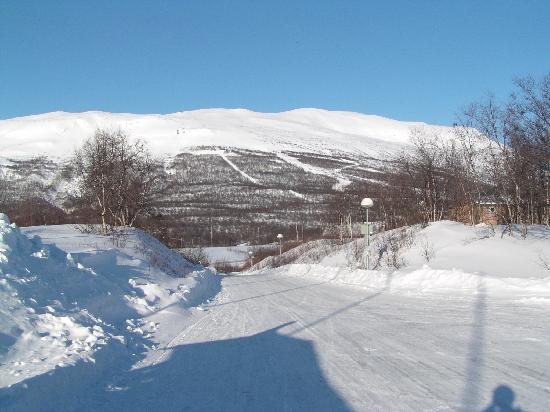 STF Abisko Mountain Station: Aurora chairlift seen from hotel