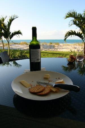Gansevoort Turks + Caicos: Wine and cheese