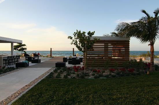 Gansevoort Turks + Caicos: Beach bar