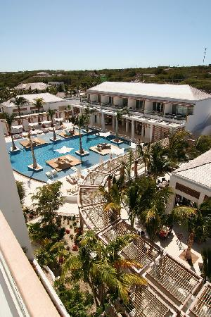 Gansevoort Turks + Caicos: Pool view from rooftop