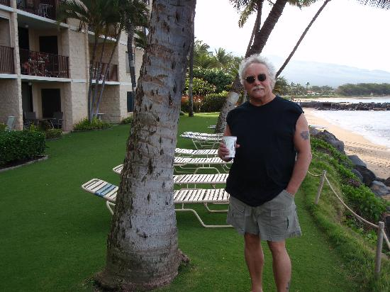 Kihei Beach: Coffee stroll other direction!
