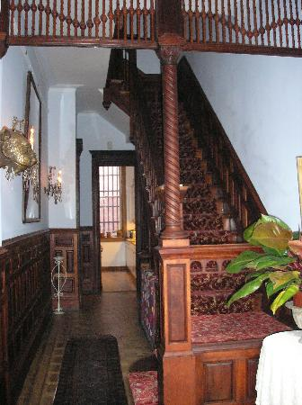 Mount Morris House: Entry way