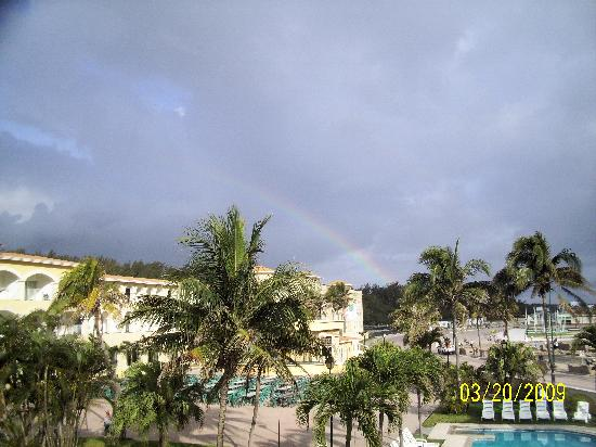 Ciudad Madero, Meksika: Rainbow over resort view off our balcony