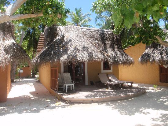 Beach bungalow 414 - Picture of Kuredu Island Resort & Spa ...