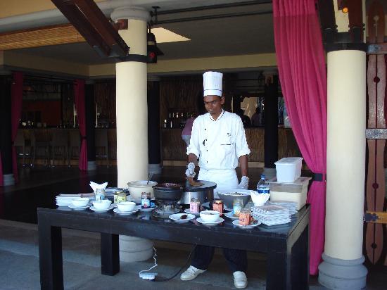 Club Med La Plantation d'Albion: Pancakes for tea - Yum!