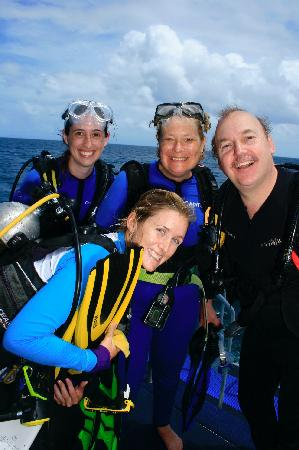 Calypso Reef Cruises: Stephanie & us, after the dive