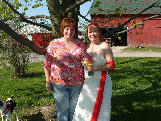 Edencrest Farm B&B: Maureen and I before the ceremony