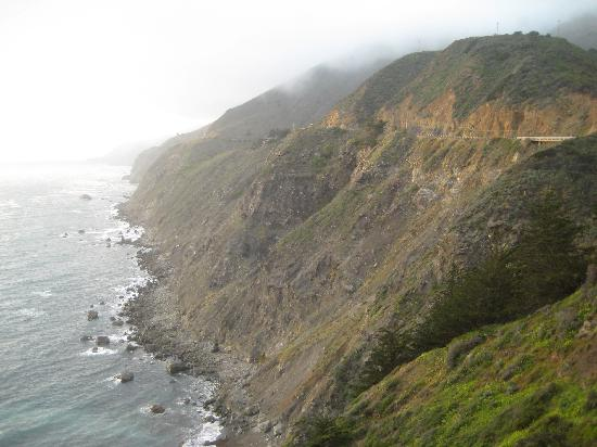Ragged Point Inn: View from the walking trail around the property