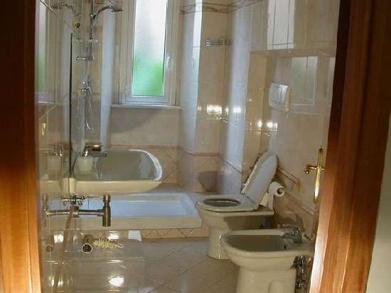 The Palms : This is bathroom