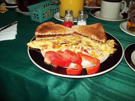 Villa Maria Country Inn Bed and Breakfast: amazing breakfast