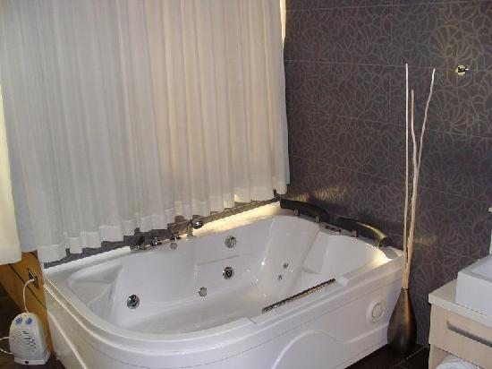 Nastasi Hotel & Spa: Jacuzzi de las habitaciones