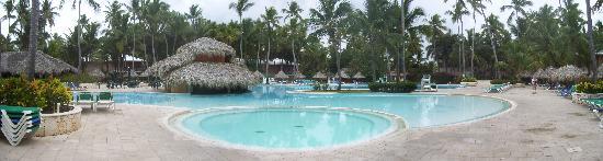 Panoramic of pool and bar