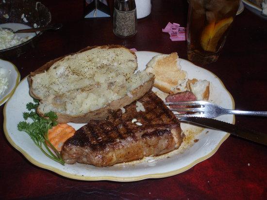 Cattleman's Steakhouse Indian Cliffs Ranch: Cattleman's Steakhouse