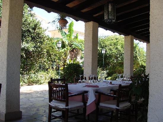 Restaurant Can Mateu: Encantadora terraza