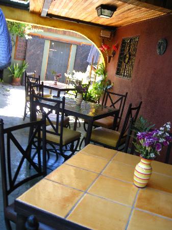 Vina Romantica: The Dining Area