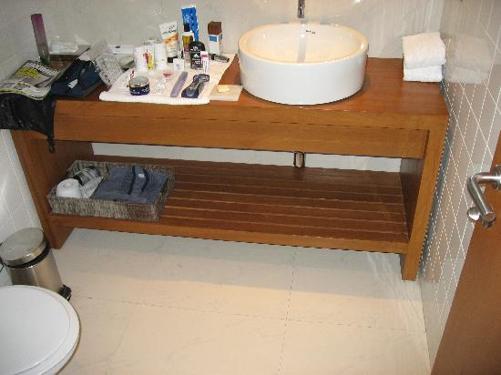 The Park Navi Mumbai: Bathroom