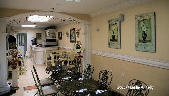 Eugenia Hotel: Dining room
