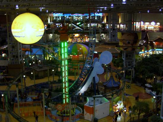 Nickelodeon Universe: the park at dark...from the ferris wheel