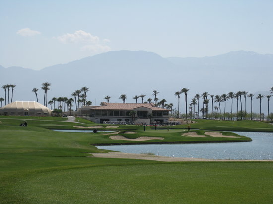 Indio, Californie : Clubhouse and 18th hole