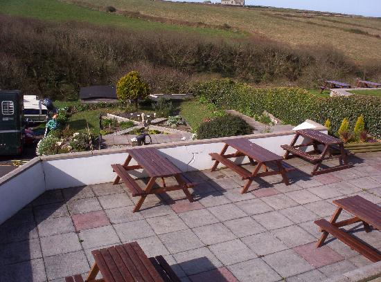 The Wootons Country Hotel: Patio area