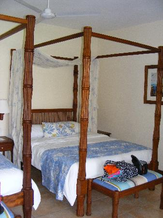 Baobab Beach Resort & Spa: The Maridadi beds.