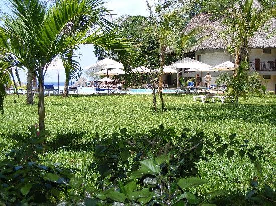 Baobab Beach Resort & Spa: The view from our Maridadi room.