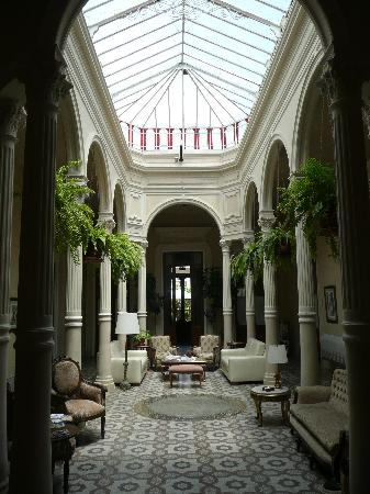 Hotel del Casco: patio interieur