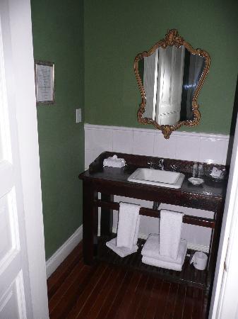 Hotel del Casco: salle de bain chambre supérieure