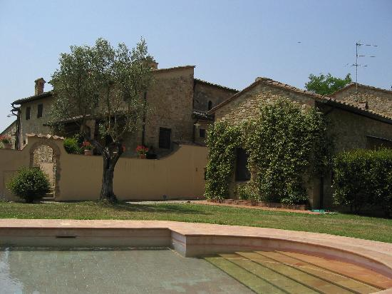 Santa Maria a Poneta: View from Pool onto Sant apiano
