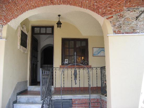 Hotel Ca'Ligure : Eingang ins historische Anwesen