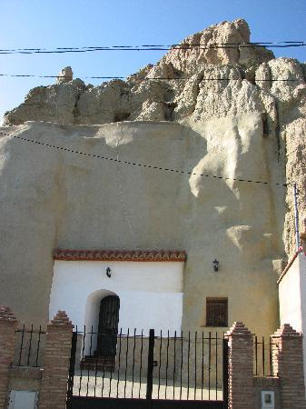 Guadix, Spanien: hier ein Vermögender/hat den Berg verputzt
