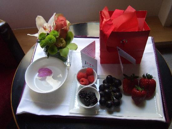 Jays Paris: Birthday Tray