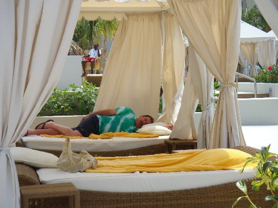 Iberostar Grand Hotel Rose Hall: nap time