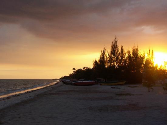 Lost Beach Resort: Gorgeous beach