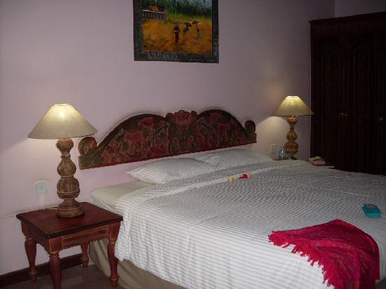 Sari Sanur Resort : King Size Bed