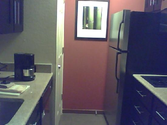 HYATT House Dallas/Las Colinas: Kitchen
