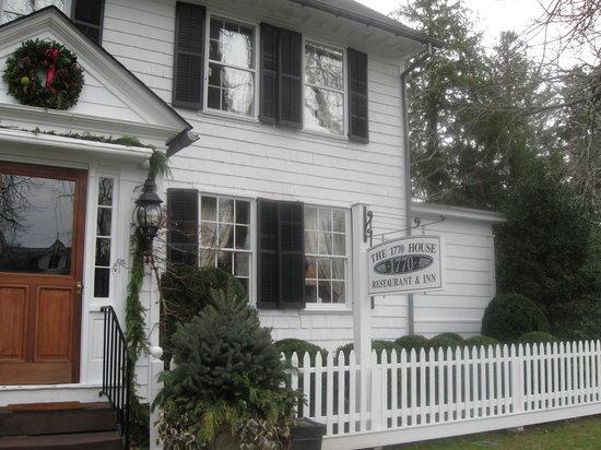 Front of 1770 House Restaurant & Inn