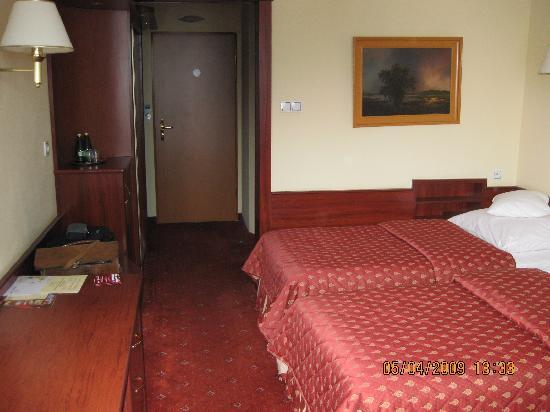 Golebiewski Hotel: Room 427 towards door