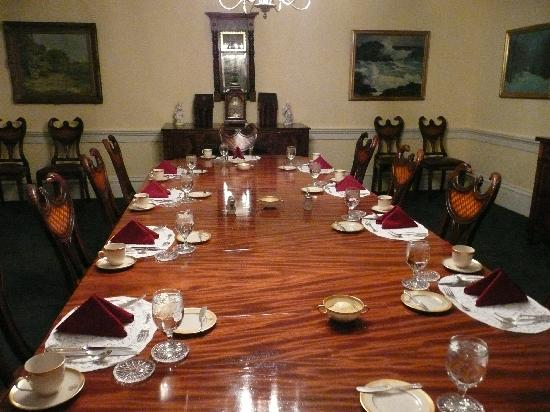 Executive Mansion : govenors private table