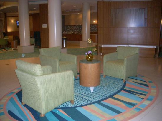 SpringHill Suites Hampton: lobby