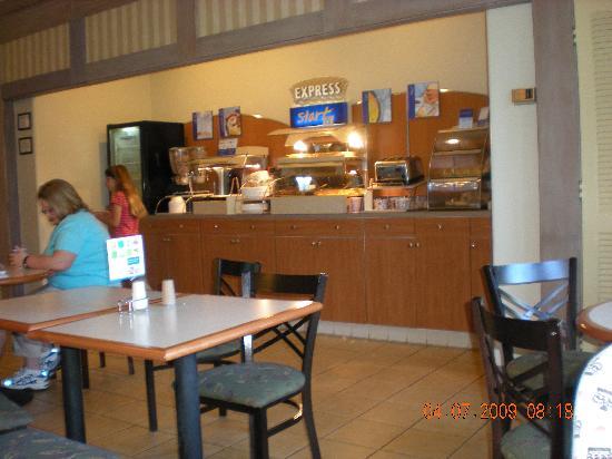 Holiday Inn Express Solvang: Breakfast room