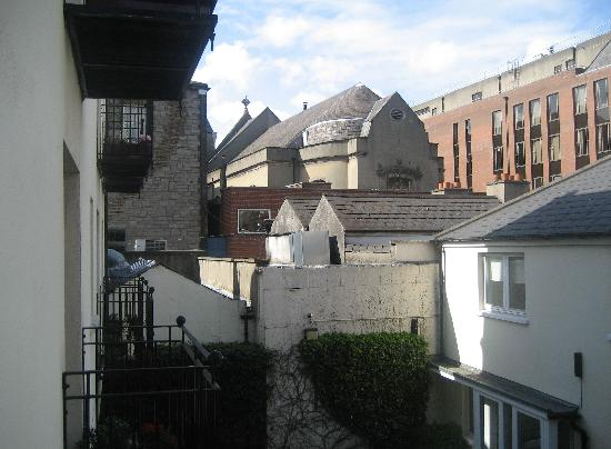Molesworth Court Suites: Viwe from one of our two balconies (the church seen is St Ann's Church)